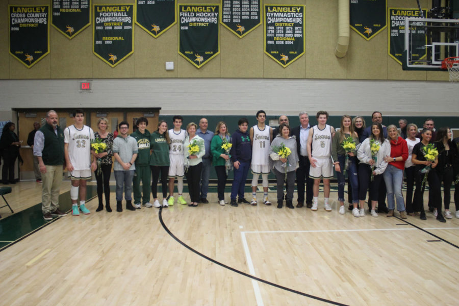 Seniors+gathered+for+their+Senior+Night+group+picture.